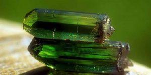 Significado y propiedades de la turmalina verde