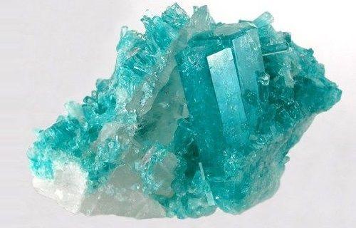 usos de la piedra aguamarina