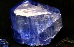 piedra zafiro propiedades
